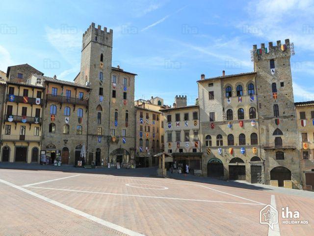 Sansepolcro-Piazza-grande-di-arezzo-vicino-a-sansepolcro